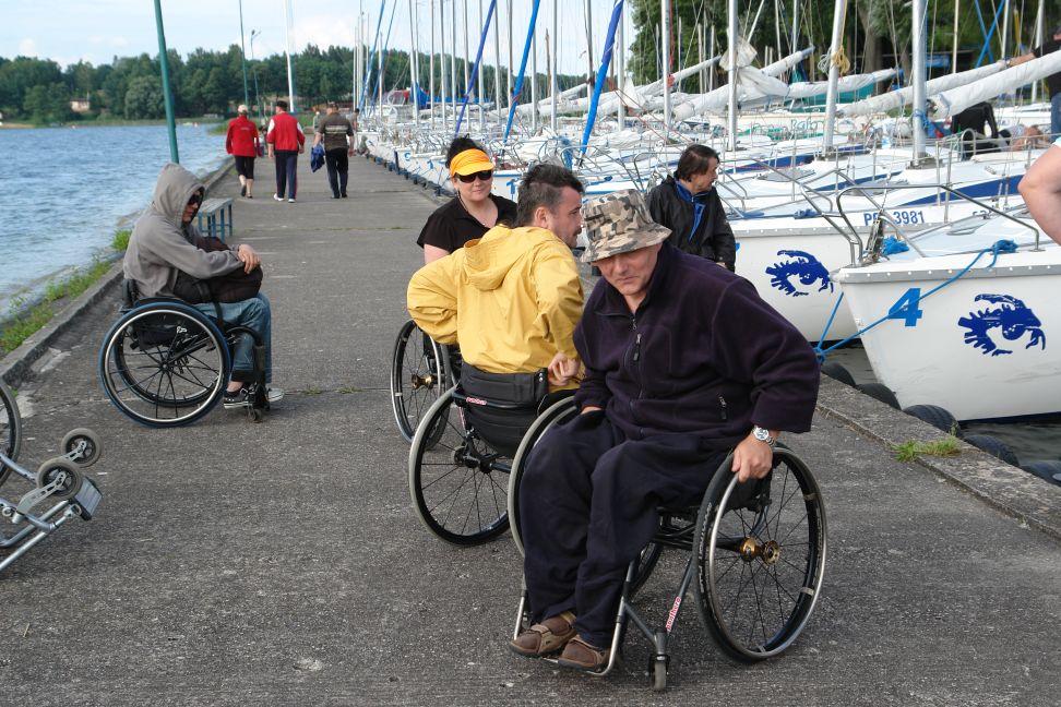 Przeglądasz zdjęcia w artykule: Obóz żeglarski Podkarpackiego Stowarzyszenia Aktywnej Rehabilitacji 24 - 31 lipca 2011