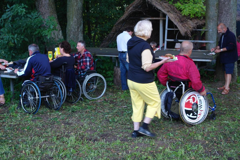 Przeglądasz zdjęcia w artykule: Obóz żeglarski Stowarzyszenia Żeglarzy Niepełnosprawnych 25 lipca -  03 sierpnia 2011